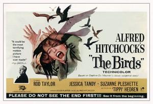 En el año '63 Hitchcock debía editar la imagen (o efectos especiales) desde la misma cámara, y rezar para que salieran bien (pues no podía ver su resultado final en vivo)