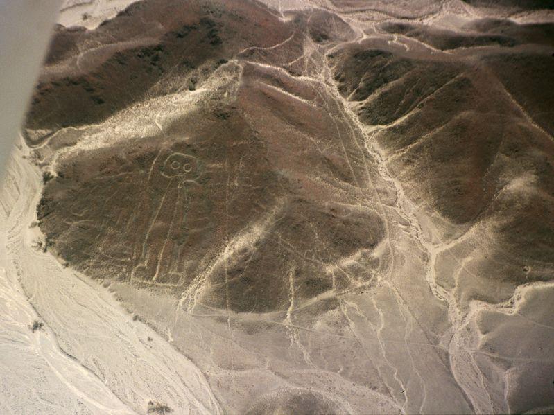 Líneas de Nazca que supuestamente representan a un astronauta
