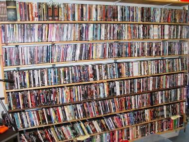 Gran colección de DVDs que, probablemente, nadie utilizará