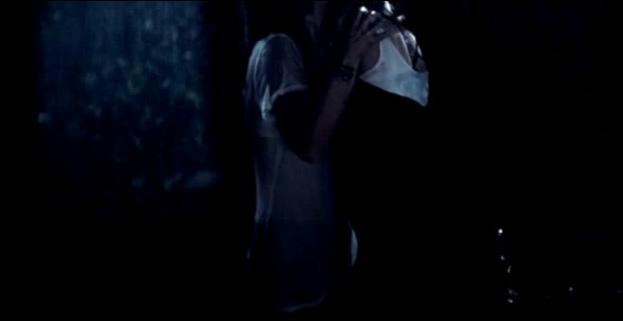 Beso romántico entre lesbianas. Al menos, eso suponimos