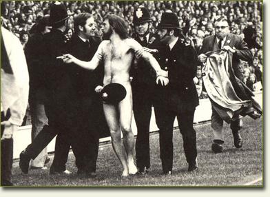Micheal O'Brien, primer streaker en un evento deportivo (1974)