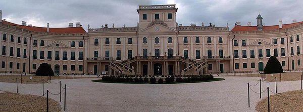 Palacio Esterhazy, Hungría